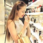 Названа главная опасность парфюма