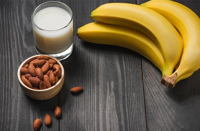 Банан и орехи
