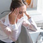 Ученые рассказали, почему женщины чаще страдают от мигрени